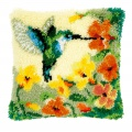 Coussin au point noué colibri avec fleurs - 4