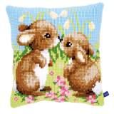 Coussin au point de croix petits lapins - 4
