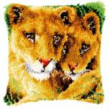 Coussin au point noué lionne avec lionceau - 4