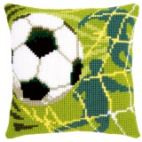 Coussin au point de croix football - 4