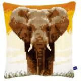 Coussin au point de croix elephant in the savannah - 4