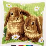 Coussin au point de croix lapins - 4