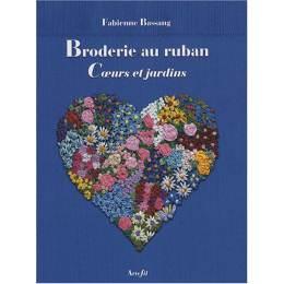 Livre broderie au ruban coeur et jardin - 105