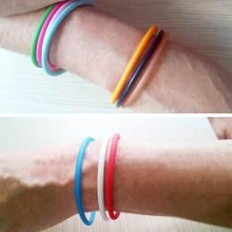 Bracelet plastique + embouts 10 coloris assortis - 408