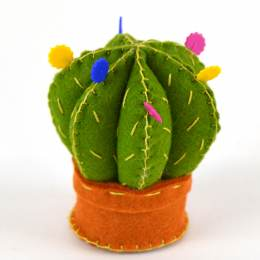 Mini kit feutrine cactus coussin à épingles - 490